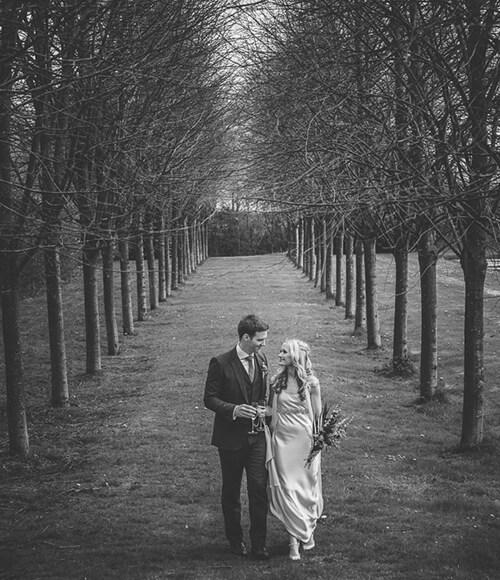 Rustic-Ballintubbert-House-and-Gardens-real-wedding
