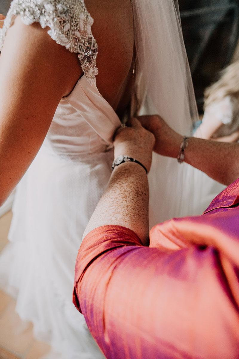 hand-embroidery-weddingdress